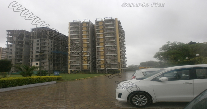 3 BHK flat with servant room 1417 sq ft 7th floor of S+13 | Patiala Zirakpur Highway | Punjab | Apnaaghar.com